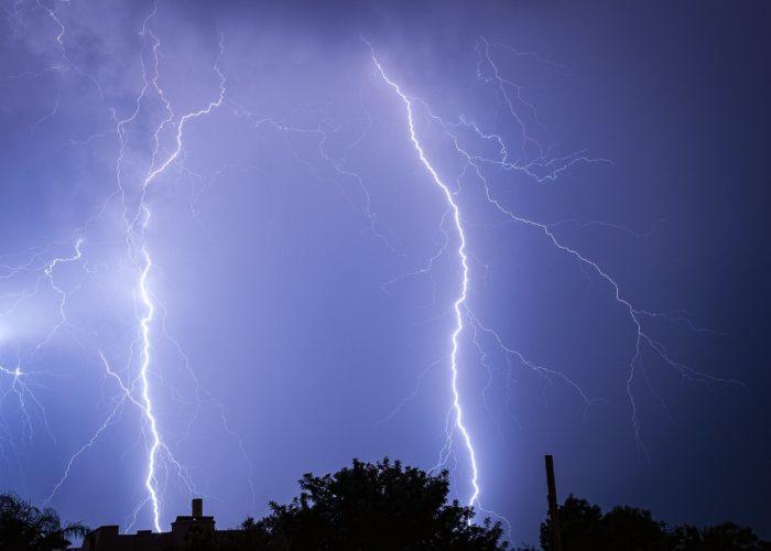 blue_lightning_land